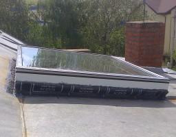 Зенитный фонарь в крыше жилого дома, д. Соларьево