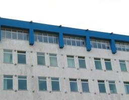 Алюминиевые окна в административном здании