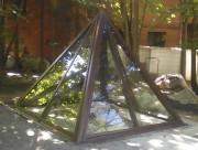 Светопрозрачная пирамида