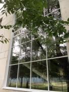 Фасадный витраж в школе на ул. Реутовской д.2