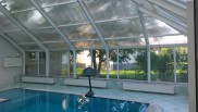 Остекление бассейна в загородном доме
