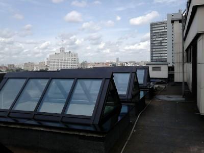 Зенитные фонари на крыше