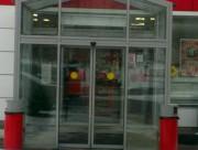 Входной тамбур с автоматическими раздвижными дверьми в Зеленограде
